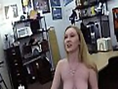 Gal is doing sex in shop