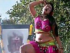 Gayathri Raghuram Hot dck flashng Deep Navel