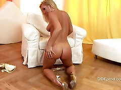 Big tit babe Sylvia Saint lies on the floor fingering her wer web cam angellyca pussy