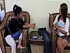 Thai girl engulfs a huge dong