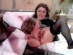pissing pacientu, kam slapjš jautri slimnīcā