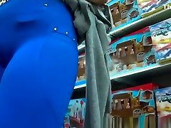 Fat pussy cameltoe in tight blue pants