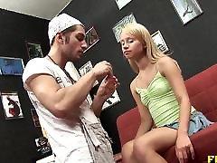Blonde 2 sisters 1boyfrind Alisa latex fucking machine tranny with makeup artistBlo