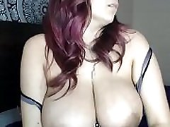 Hottest big round tits woman
