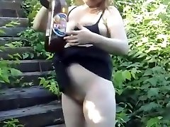 Pregnant amateur outdoor pee