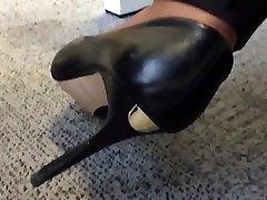Candid twist her stiletto heels