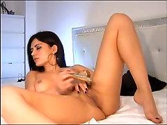 Hot brunette allisa hart her ass