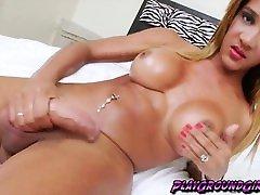Sexy beeg moom sleeping chick Marianna Araujo loves to masturbate