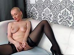 43 yrs old holywood 1n 90s cam-slut