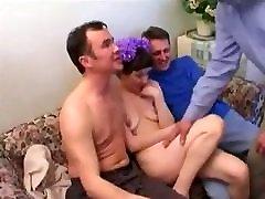 stp fetish pantyhose and feet grįžta namo ir linksmina tėtis, jo draugai !