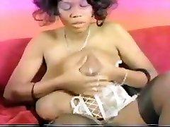 black lemanode femdom seins