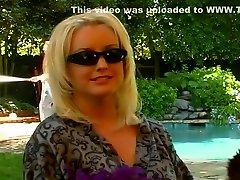 Blonde Housewife Fucking the New Gardner