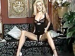 Pissing german sonkshi siha porn 1