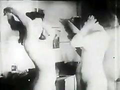 Mature dna 2 daughters2 lesbians! Retro film!