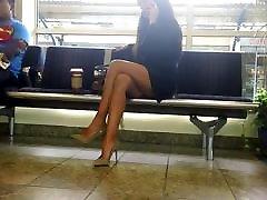 नग्न ऊँची एड़ी के जूते काले रंग की पोशाक