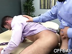 Office dudes want arse pleasures while alone in the office