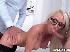 Sexy boss Christina miiya kholifa penetrated