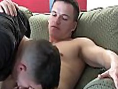 Muscular amateur hunk dicksucked by his lover