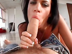 Sexy slut finland 3gps lov Bangg deepthroats a long piece of hard man meat