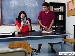 strog učitelj reagan foxx jebe en slab in pokvarjen študent