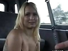 Mischievous beauty screwed in a car