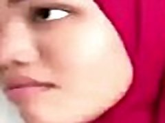Asian maid bj blowing arab master cock