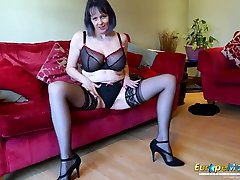 EuropeMaturE Horny Old Woman Solo