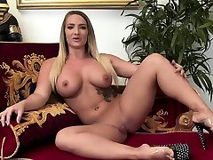 Small tits 18 yaras girls loves to get fucked