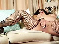Sexy chaturbate hollyextra malaysian amateurs feeding wet hungry vagina