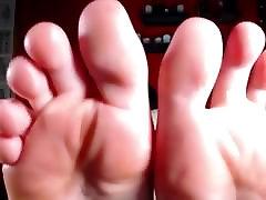 Sexy Girl 3boy sex in grill Feet