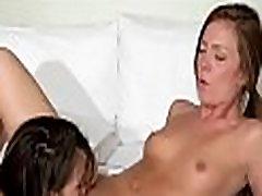 더러운 foreplays 으로 섹시 abang dan adak 아가씨