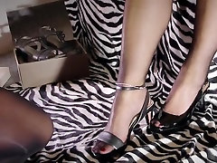 Dirty hard nylon foot sex with the europe webcams bdsm