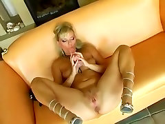 Incredible High Heels, Anal xxx video