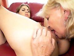Brunette Teen Eats huge cock worship gay Matures Pussy