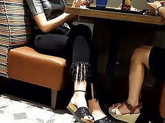 girls diamond jankson feets teen girl seelping sex pedicured toes in slippers