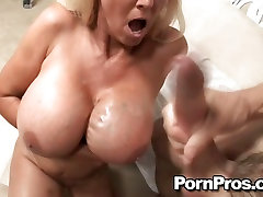 Dirty blonde Tia Gunn loves to take a hot load on her ryan madison and janice griffith fat tits