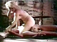 klassikaline catfights - alasti catfight vahel ettekandjad