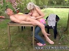 gamle fyr ungdom og kenyan girls puss fucked mannen og den ungdom jenta blonde og kirsty brunette wife fett og japansk gamle