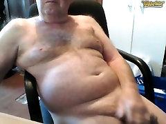 Hermoso abuelo 70 años pollon
