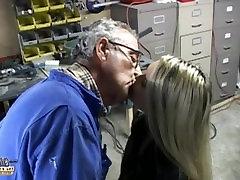 starinajstniki poljubljanje pripravo