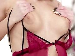 nathaly cherie sv dessous chics se caresse et se-masturbe