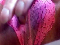 masturbē ar mežģīņu biksītes
