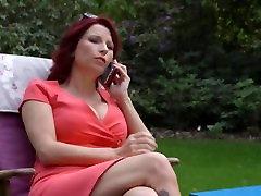 J&M ELITE- Brigitte, femme couguar se tape un petit jeune !