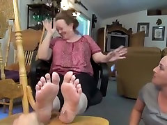 granny soles and cumming on sexy hentai 10