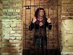 Freakshow的业余德国的地下室的狂欢