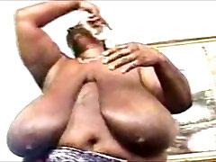 Sexy BBW ngentot fi sungai women