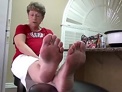 Blonde Granny Smelly camping france voyeur Soles