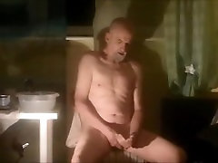 Headshaved Orgasm 1