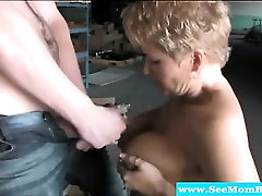 Cougar getting dase lady xxx outdoors and sucking