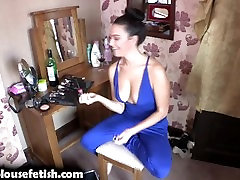SEXY DOWNBLOUSE GIRLFRIEND POV CHAT - Bex - DBF downblousefetish